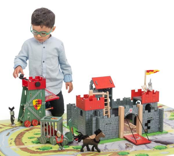 деревянный замок крепость Камелот ле той ван
