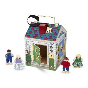 Куклы и домики
