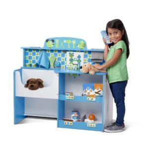 детский столик для лечения животных